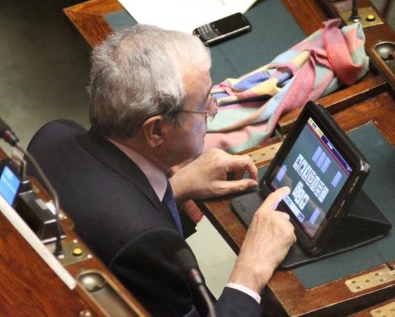 Il sapere e 39 potere i nostri parlamentari che giocano con for Lavori parlamentari