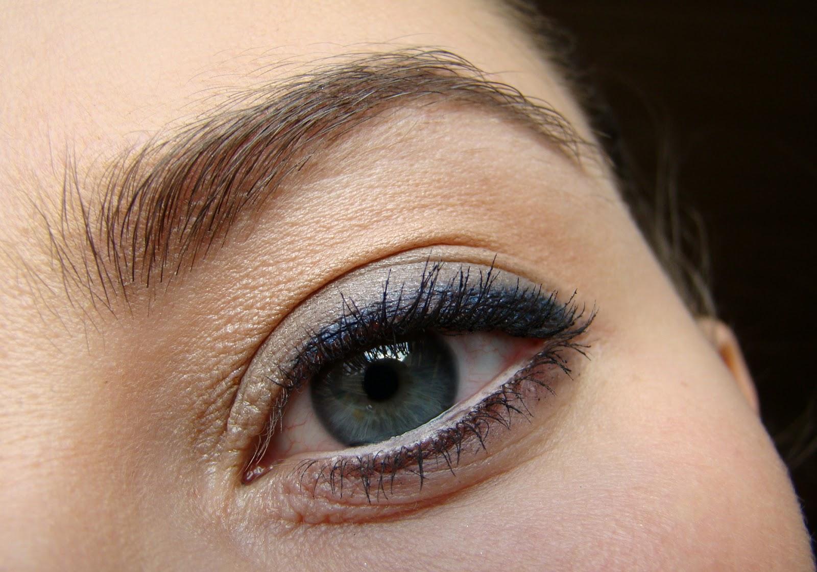 Künstlerisch Augen Make Up Schritt Für Schritt Sammlung Von Kennt Ihr Tipps Und Tricks Wie Ihr