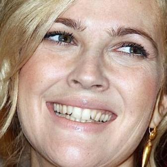 Drew Barrymore yellow teeth