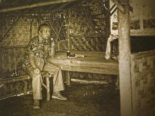 http://kumpulanbiografiindonesia.blogspot.com/