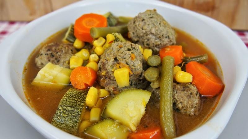 Sopa de alb ndigas y vegetales mi cocina r pida for Albondigas de verduras
