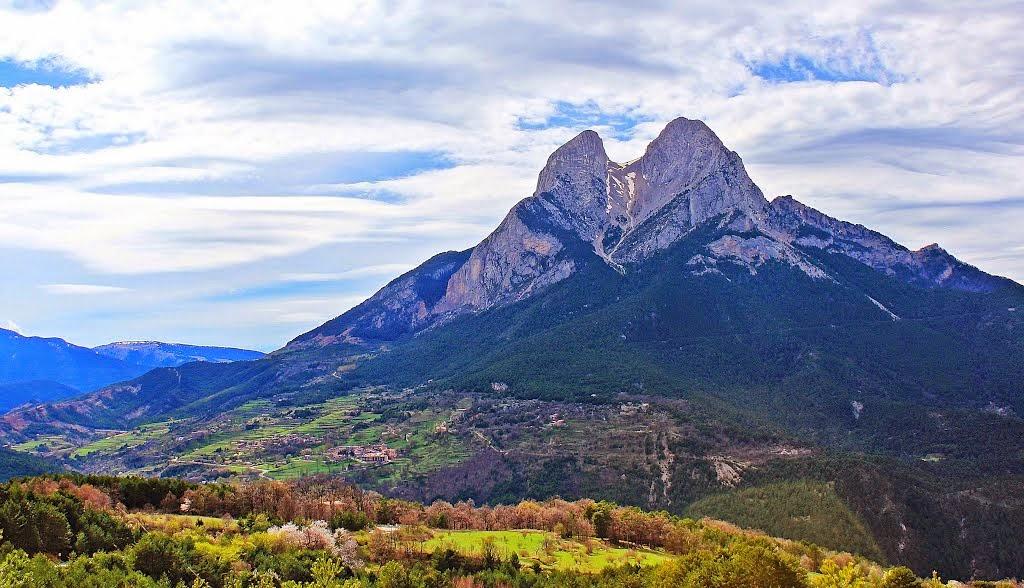 http://www.panoramio.com/photo/106586910
