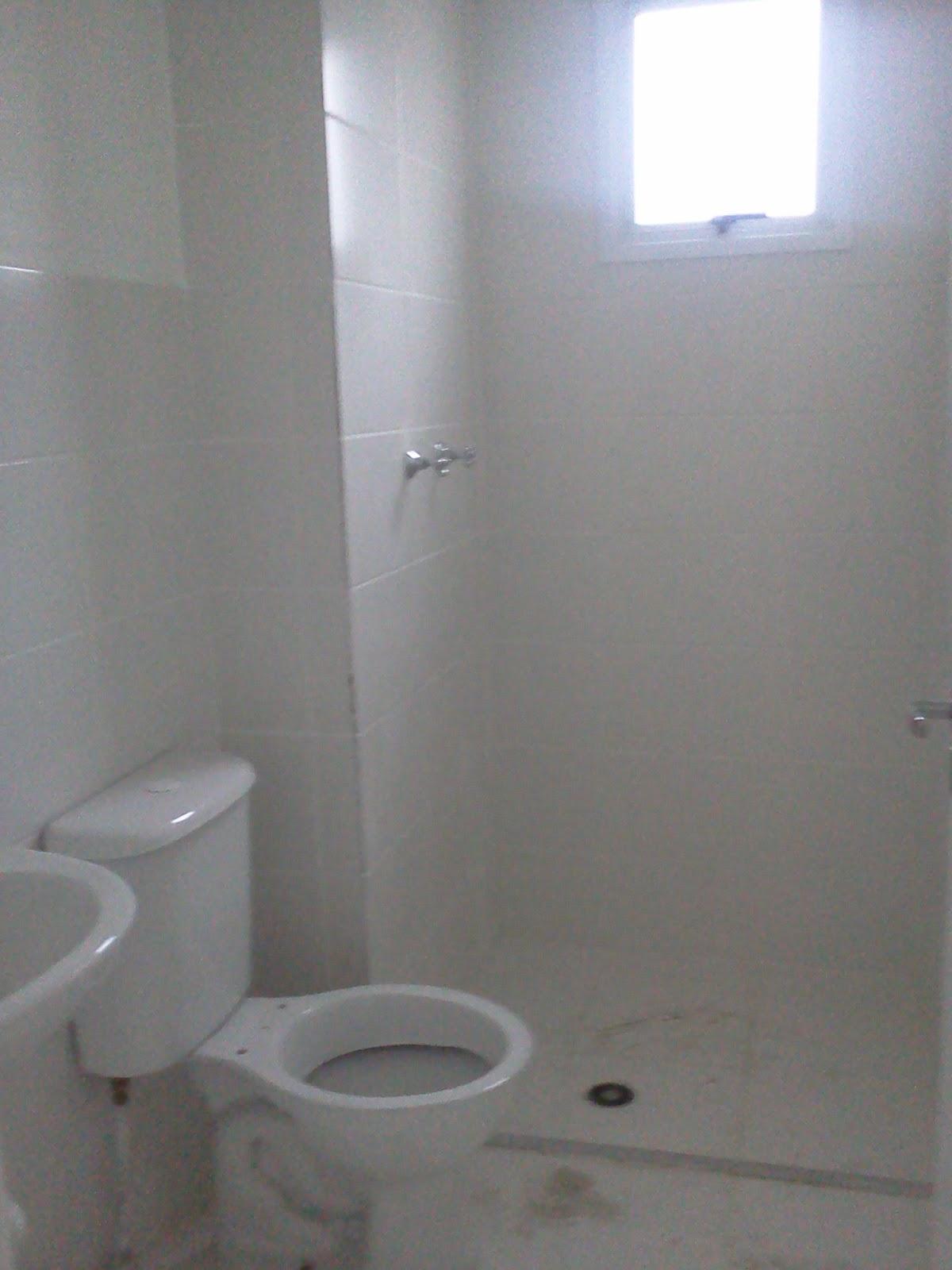 Meu primeiro Apartamento: Banheiro com mármore instalado #525A79 1200x1600 Bancada Banheiro Leroy Merlin