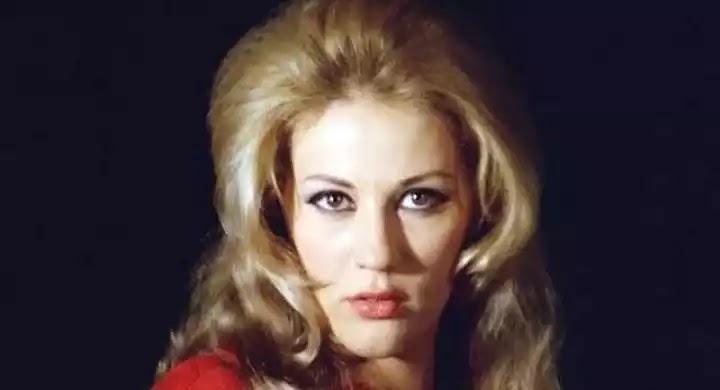 «Έφυγε» αιφνιδίως στον ύπνο της η μεγάλη ηθοποιός Ζωή Λάσκαρη (βίντεο)