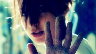 Cute Girl Sand On Her Hand HD Wallpaper