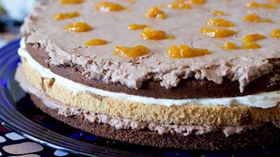 торта с шоколадов мус, сметана и портокалови кори