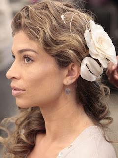 O penteado de Ester. Flor do caribe.