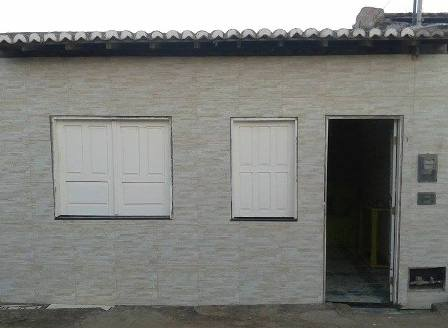 Vende-se uma boa casa