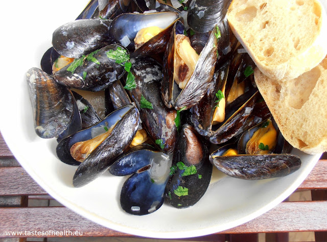 mussels recipe, cooking mussels, mussels, how to clean mussels