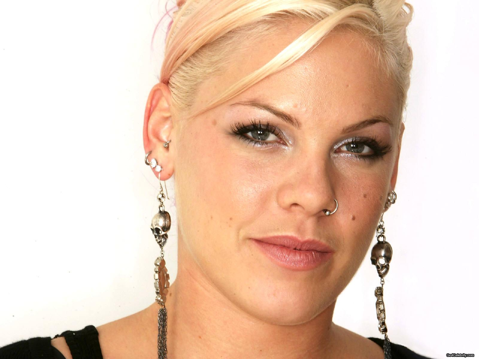 pink the singer porn pictures
