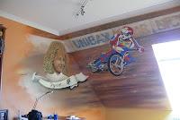 Malowanie ściany w pokoju dzieciecym, aranzacja pokoju dziecięcego, Bydgoszcz
