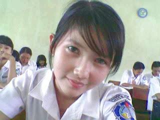 Foto Telanjang Gadis SMA Dan SMP