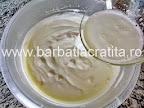 Prajitura cu iaurt si fructe preparare reteta