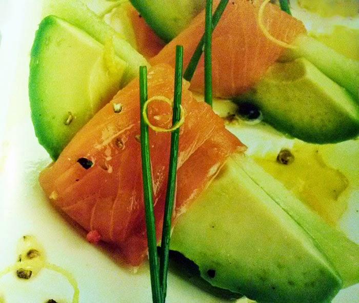 melón, salmón, aguacate