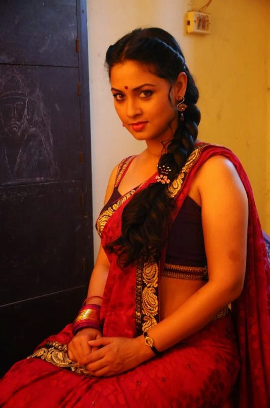 Pooja Umashankar Hot Images Pooja Umashankar Hot Saree