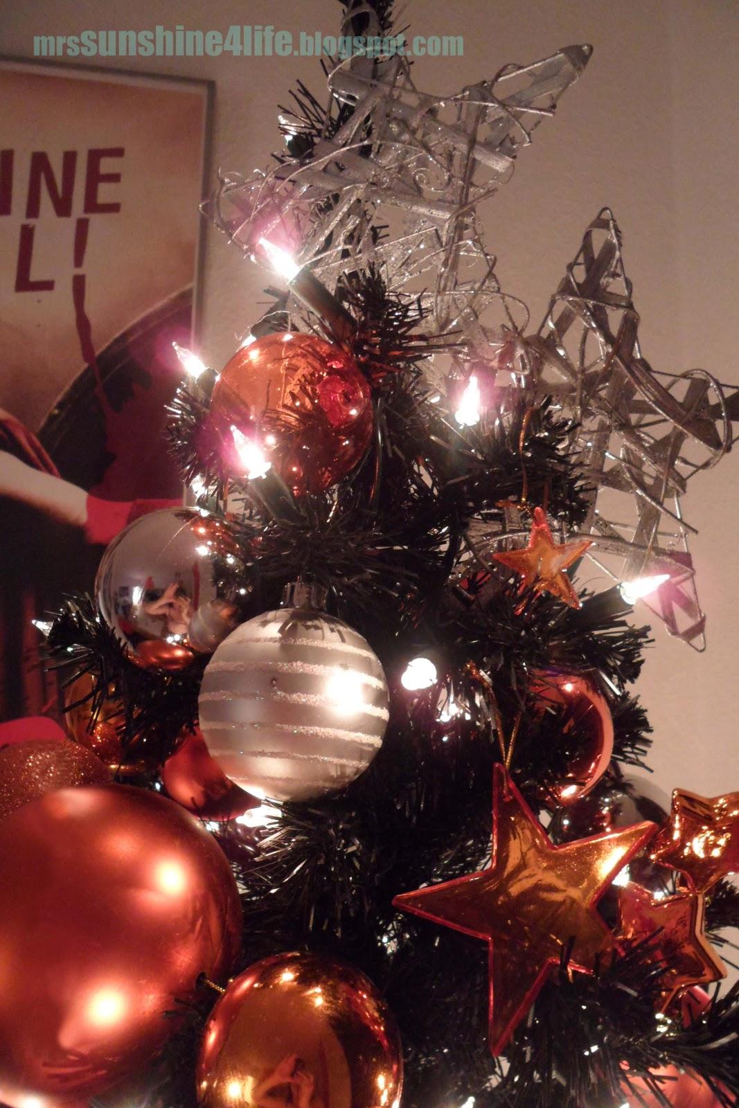 sunshine4life eyecandy last christmas part 2. Black Bedroom Furniture Sets. Home Design Ideas
