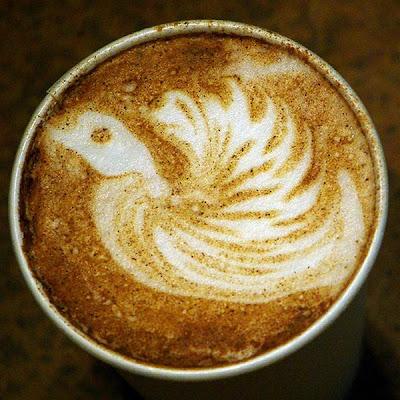 art gallery in a cup of coffee11 Koleksi Gambar Kesenian Corak Air Kopi dalam Gelas