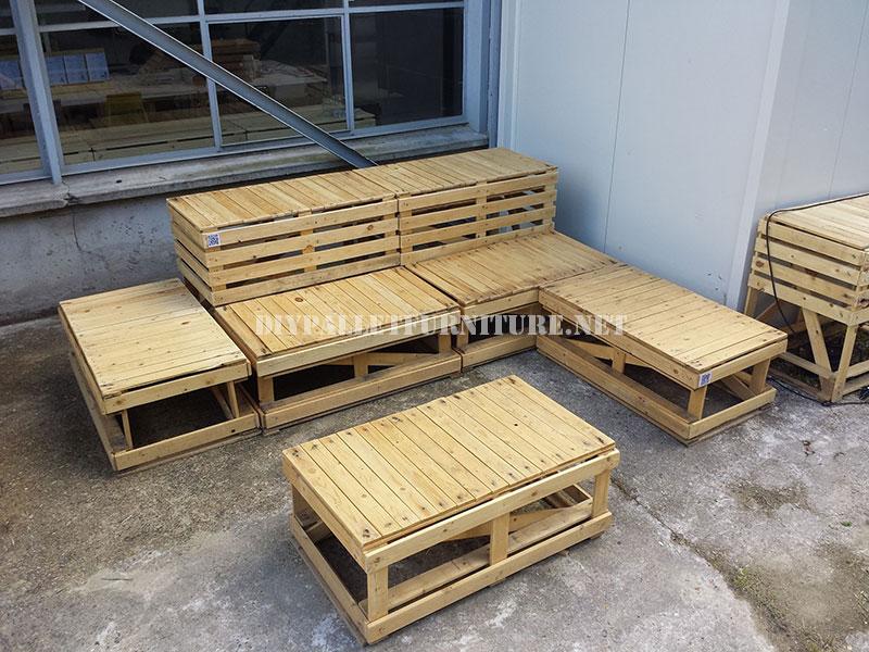 Bancos for Muebles de jardin hechos con tarimas
