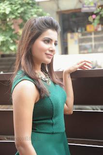 Samantha Pictures at Ramayya vastavayya promotion 023.jpg