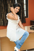 Shweta glam photos stills-thumbnail-14