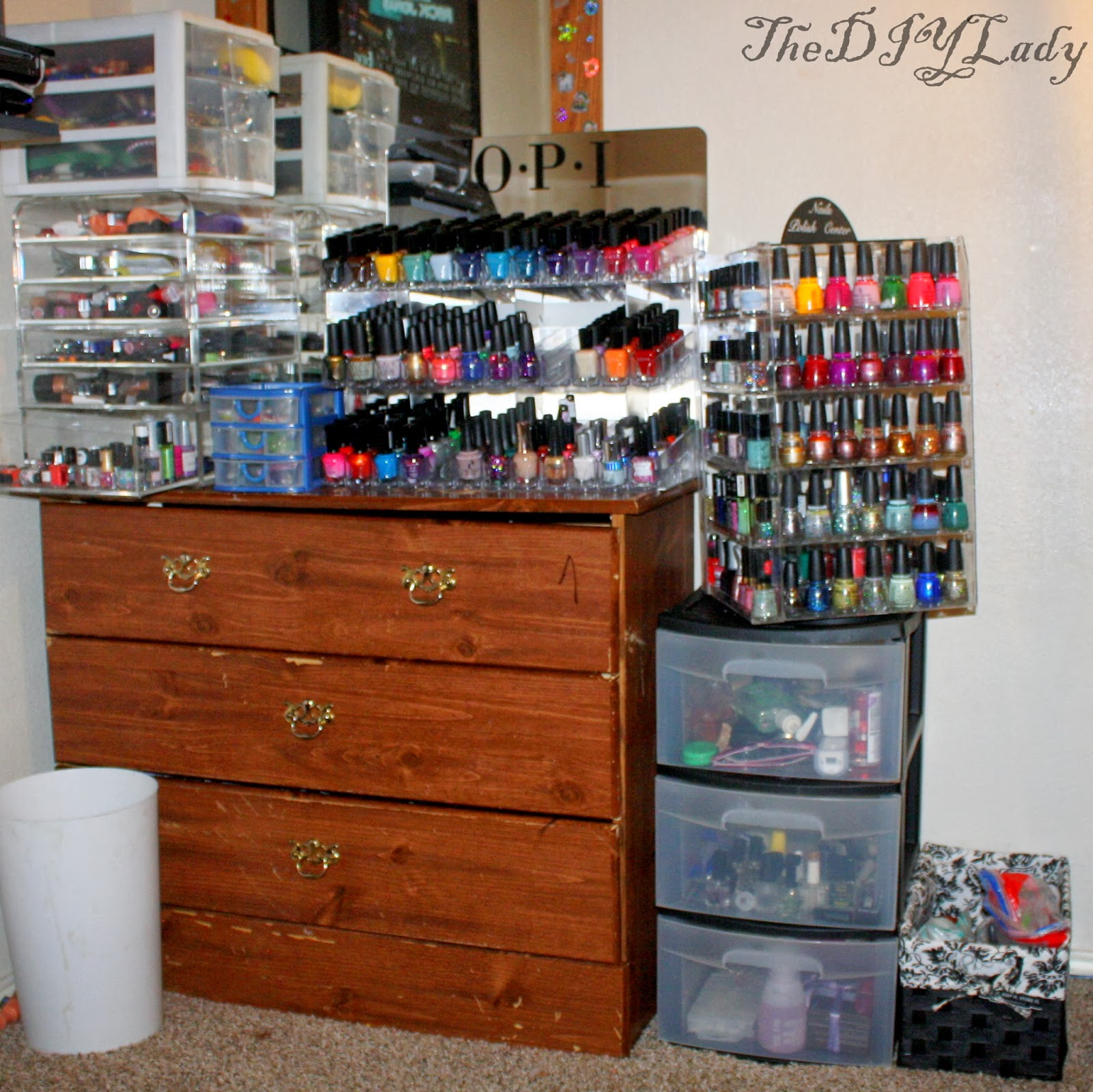 The do it yourself lady storagestash update nail polish makeup first up is my ediva makeup storage box in this i have my makeup goodies hand creams some perfumes and all of my mini nail polishesweirdly solutioingenieria Gallery