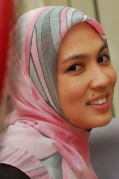 Shafnie Zainuddin, bekas isteri AC Mizal Yang Makin Cantik (7 Gambar) http://apahell.blogspot.com/2015/01/shafnie-zainuddin-bekas-isteri-ac-mizal.html