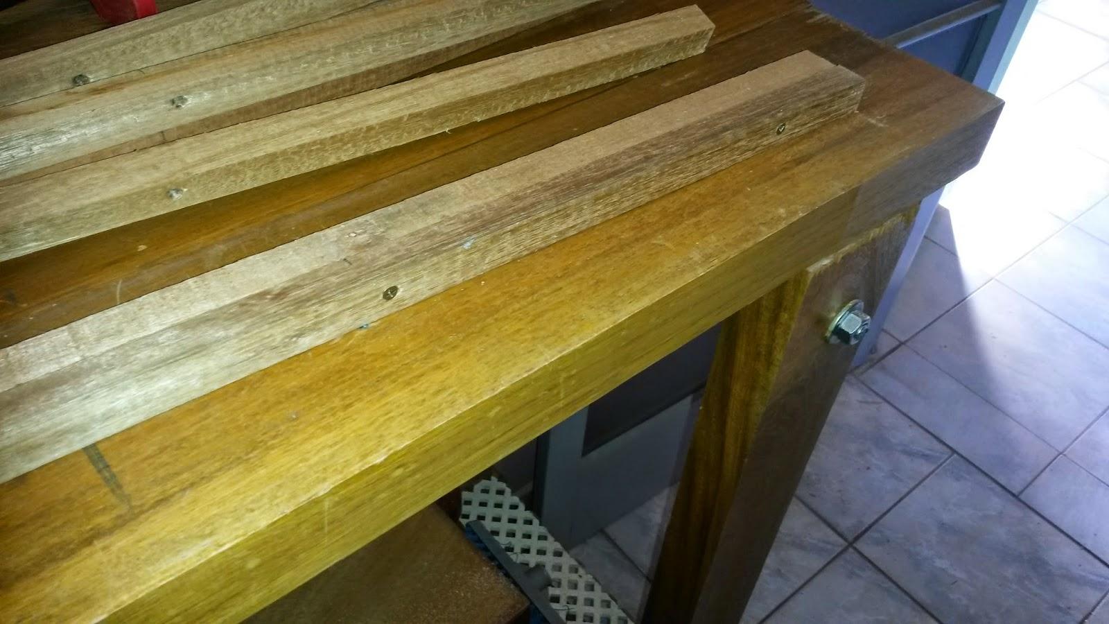 Oficina do Quintal: Como fazer um aparador com restos de madeira #624B1A 1600x900