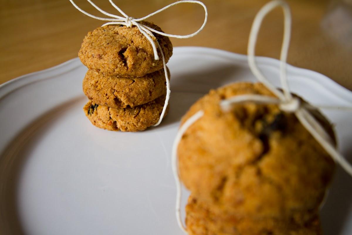 biscotti integrali alle noci e uvetta
