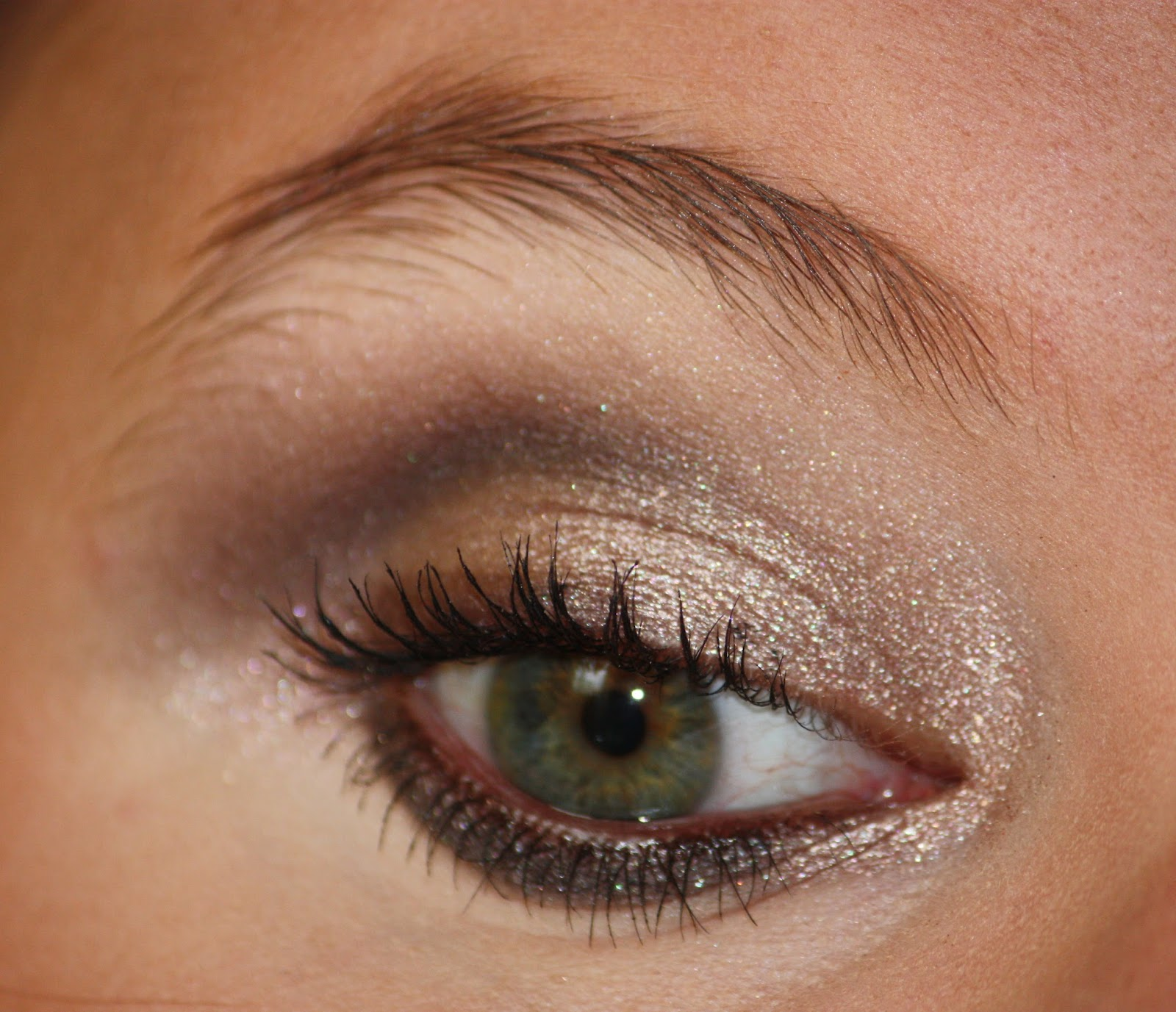 Die Zauberin Zebulon Champagne Eye Makeup Swatches Of Yves