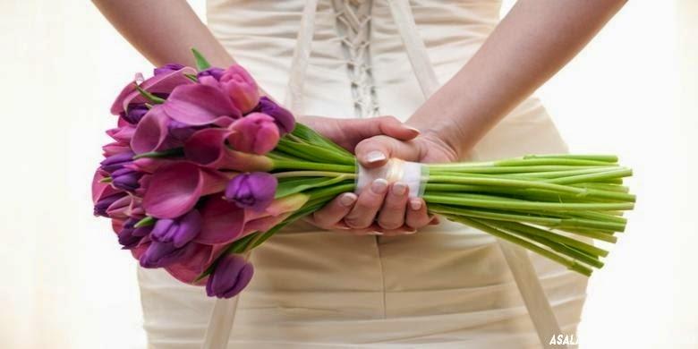 http://asalasah.blogspot.com/2014/11/di-jepang-anda-bisa-menikah-sendirian.html