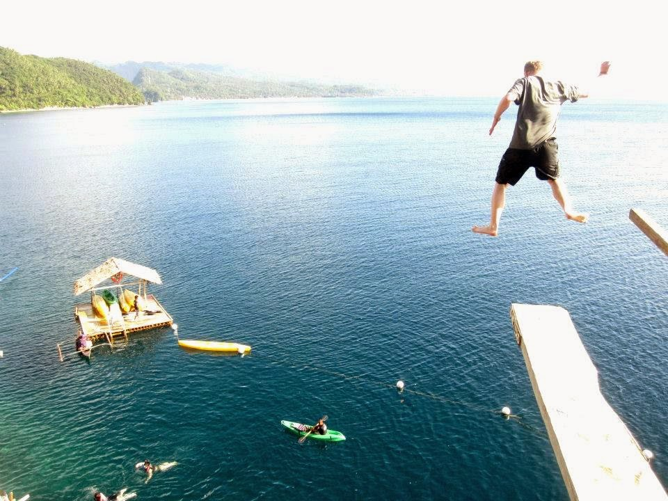 cliff diving in boracay