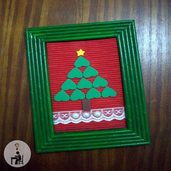 enfeite de natal feito com canudinhos de jornal, enfeite de natal reciclado, ideias de natal, enfeite natalino para mesa de trabalho, artesanato, crafts, handmade, atelier wesley felicio