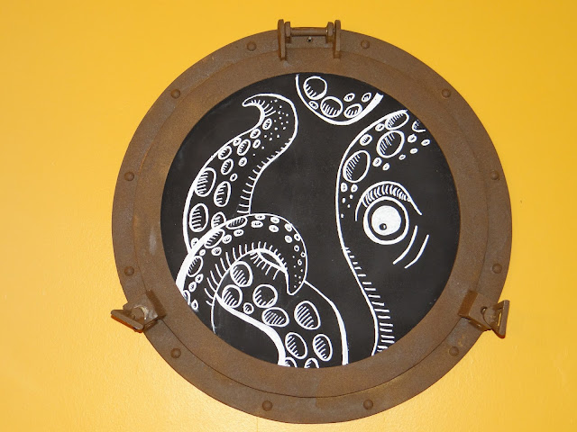 porthole chalkboard