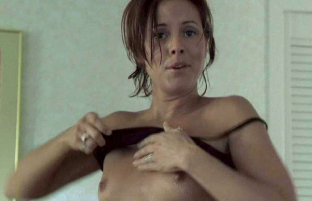 maria bello breast nipples