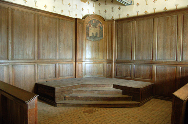 st thomas guild medieval woodworking furniture and other crafts january 2016. Black Bedroom Furniture Sets. Home Design Ideas