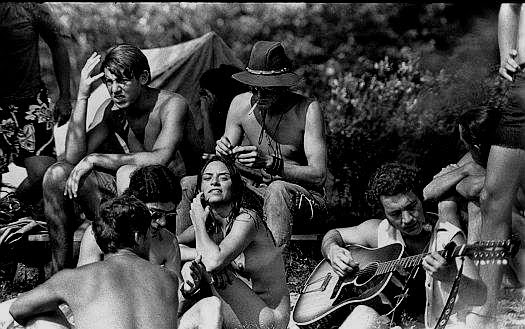 hippies-at-woodstock