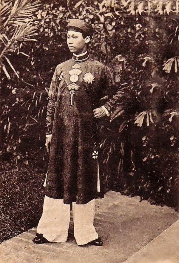 Vua Thanh Thai - Ảnh tư liệu_Một Thế Giới