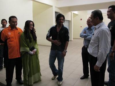 Shah Rukh Khan with Mohd Ali Dastum