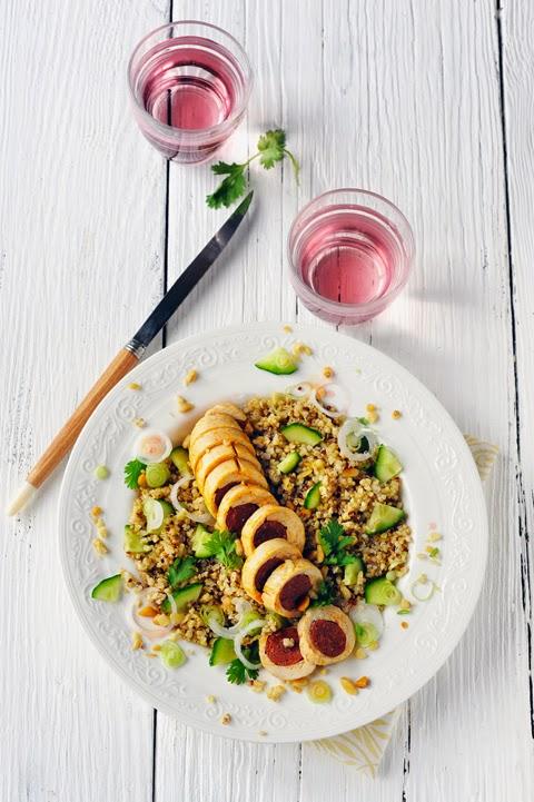 Petit menu à se poser les fesses dans l'herbe ! Guacamole coloré, poulet farci à l'orientale et salade de fruits exotiques !