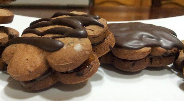 biscotti-al-cioccolato-con-marmellata