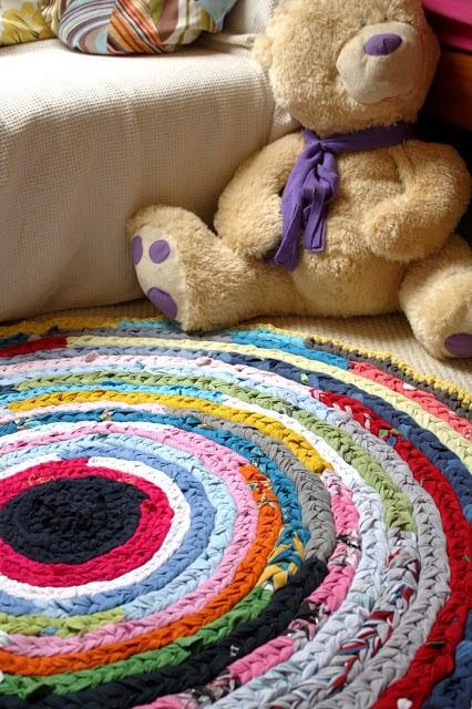 Come fare un tappeto con vecchie magliette
