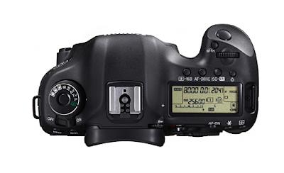 La Canon EOS 5D Mark III vista dall'alto