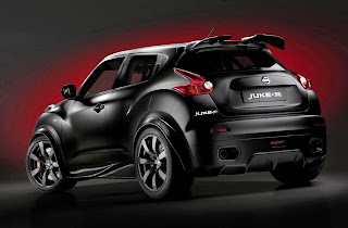 nissan-juke-r-2014-rear-side