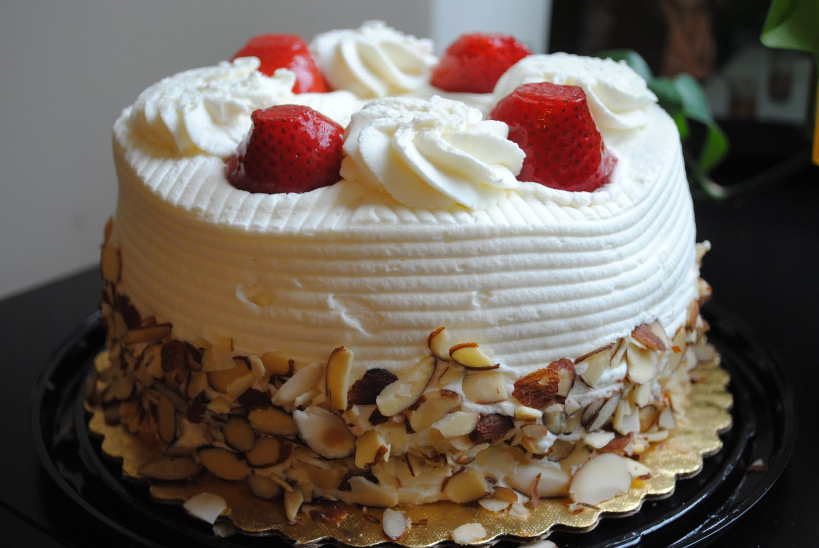Whole Foods Strawberry And Cream Cake