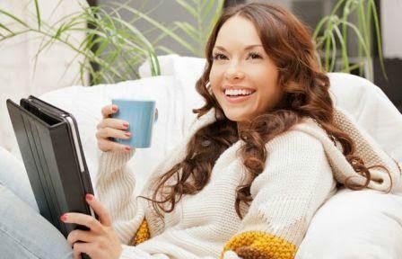 gambar wanita minum kopi, wanita pebisnis, bisnis wanita dari hobi
