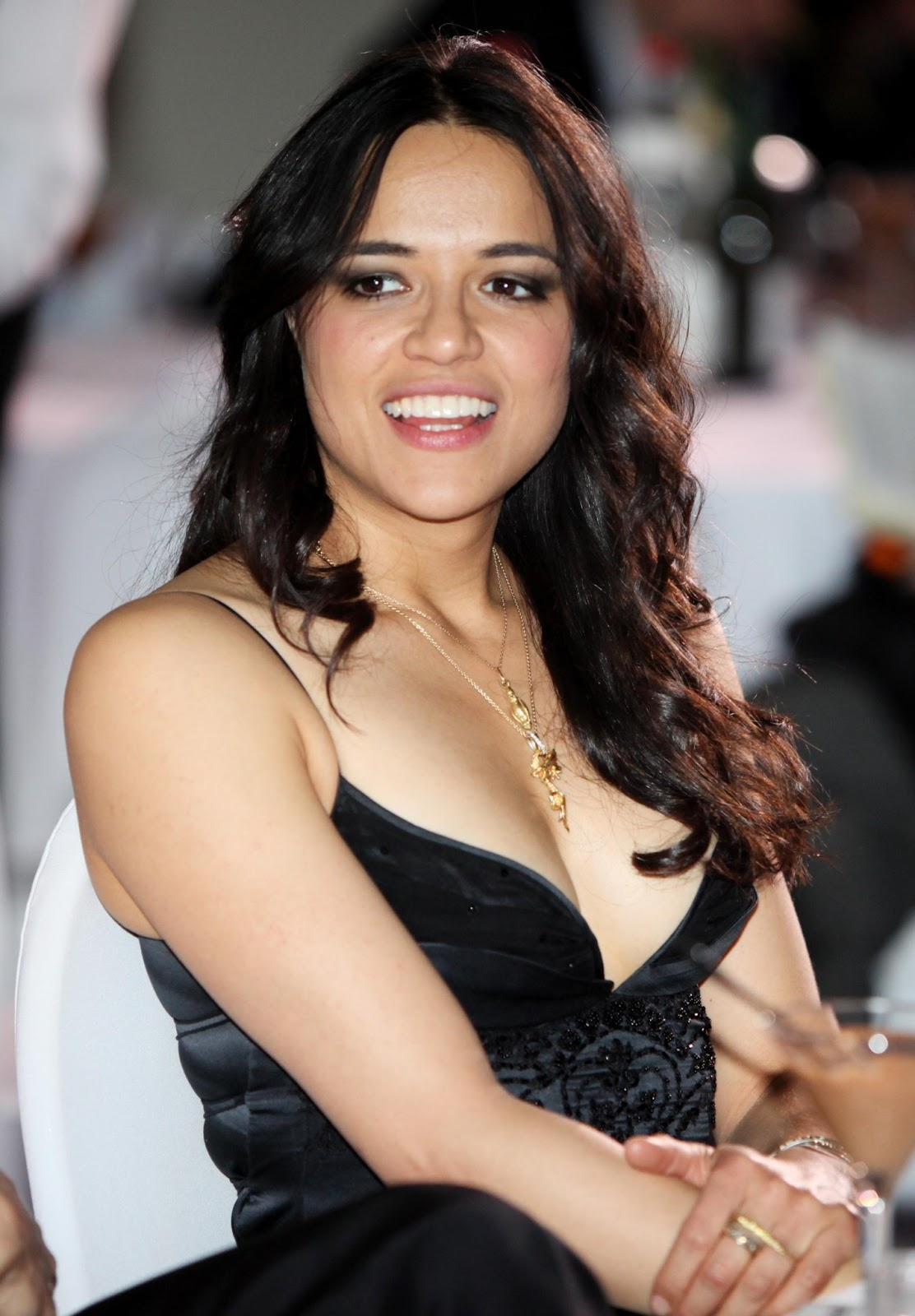 Michelle Rodriguez hot hd wallpapers - HIGH RESOLUTION