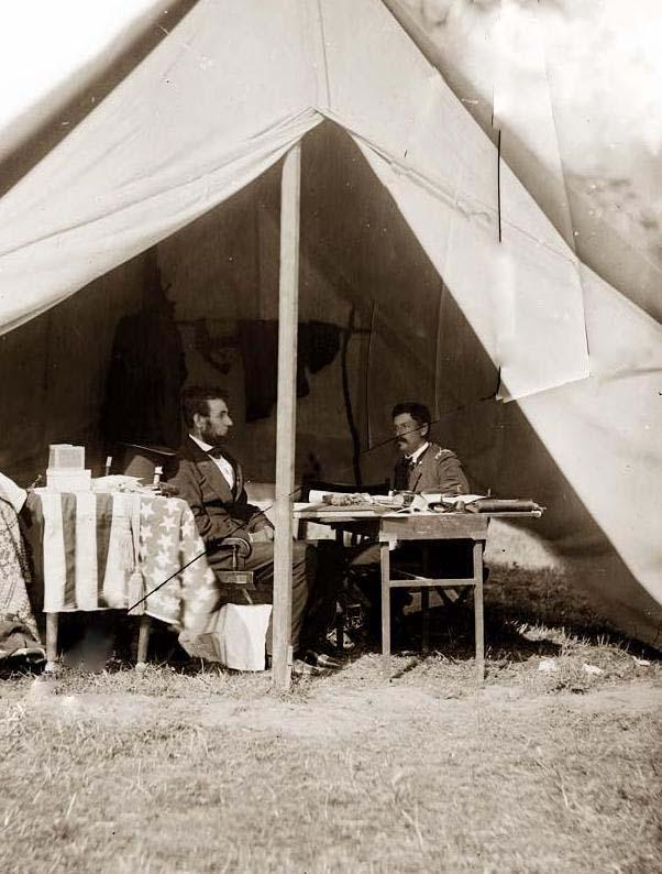 Abraham Lincoln y el General George B. McClellan