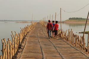 Кампонг Чам. Про бамбуковый мост через Меконг и автостоп на севере Камбоджи