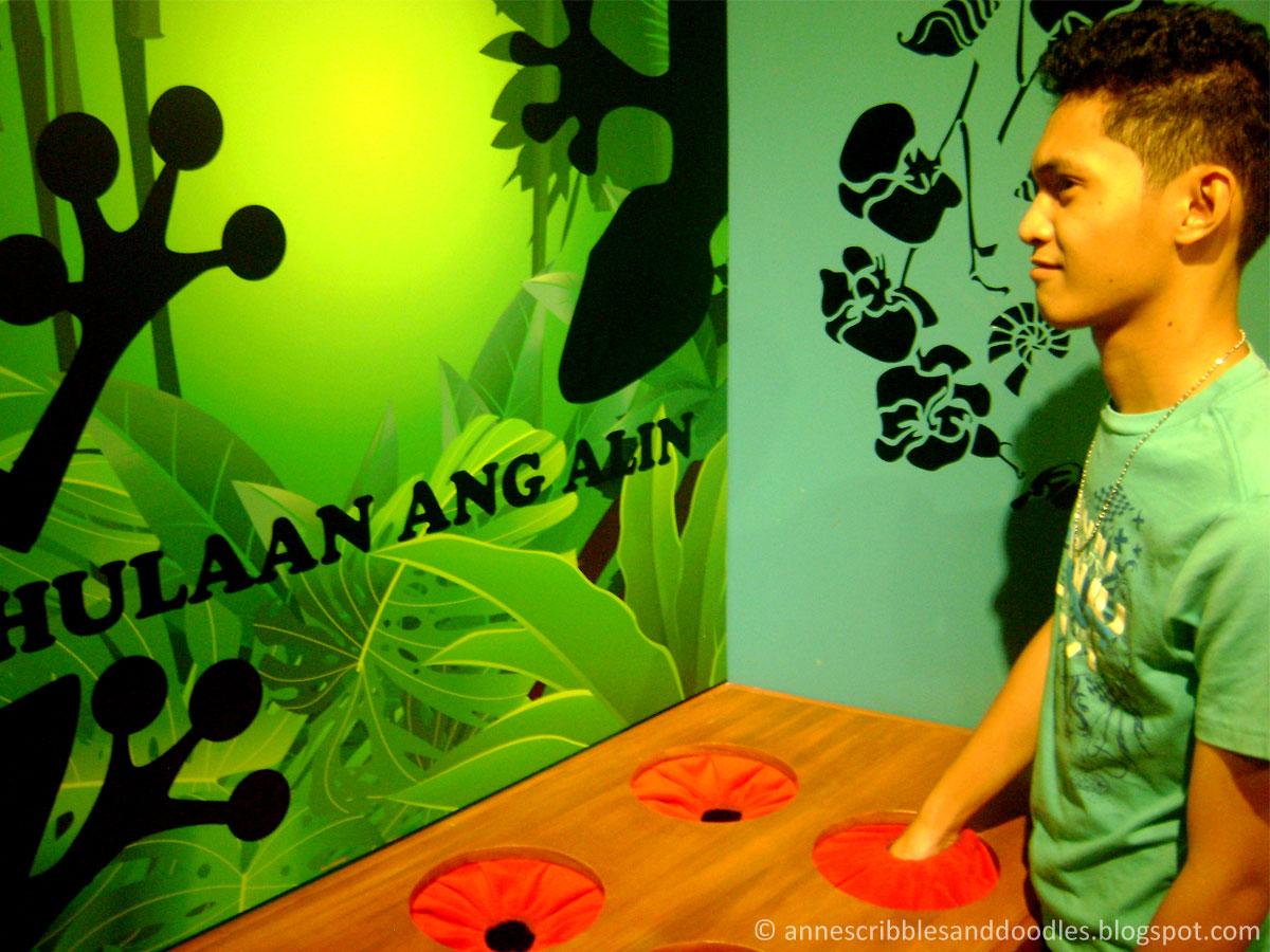 Jose Rizal Museum: Hulaan ang Laman Game
