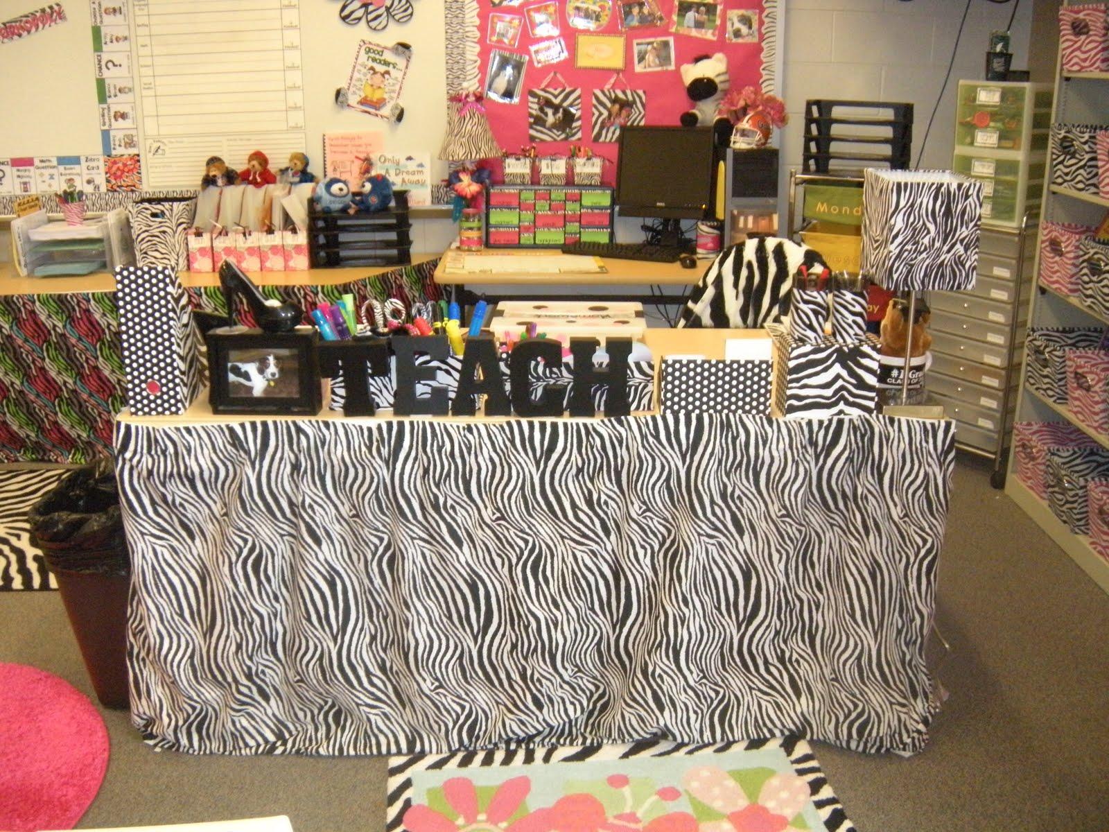 Classroom Decor Bundles : Jungle themed classroom ideas bulletin boards